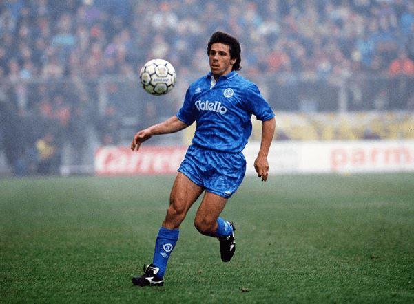 Gianfranco Zola Tak Pernah Angkat Trofi Liga Inggris