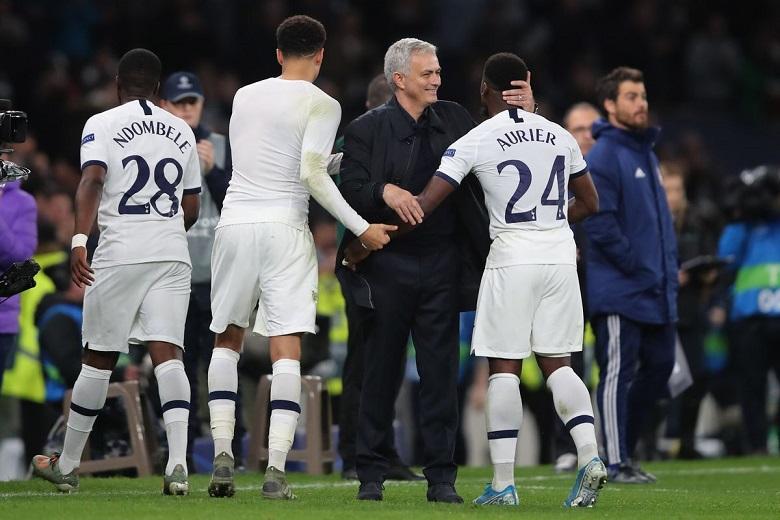 Jose Mourinho didesak untuk beli Coutinho