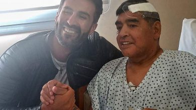 Photo of Legenda sepak bola Diego Maradona meninggal karena serangan jantung terhadap umur 60 tahun