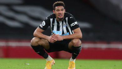 Photo of Cukur Rambut, Penyerang Newcastle United Didenda Rp3,8 Juta