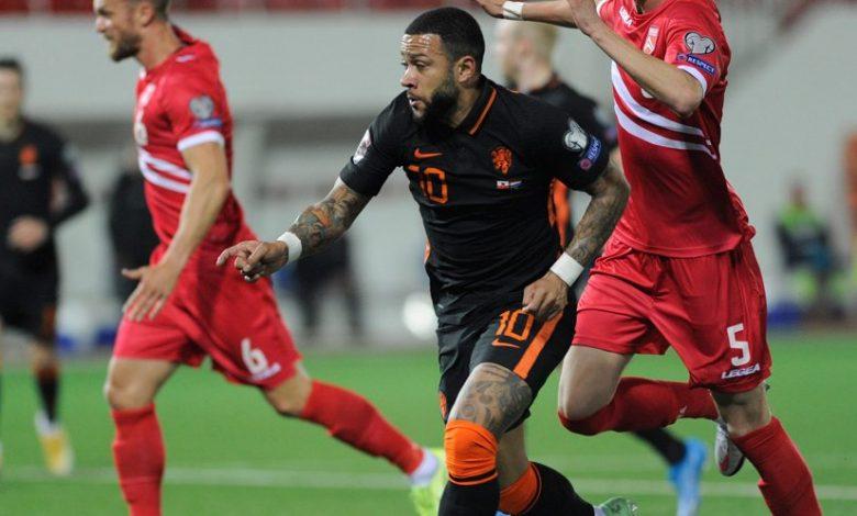 Maldini Terus Bujuk Memphis Depay Agar Tertarik ke Milan 1